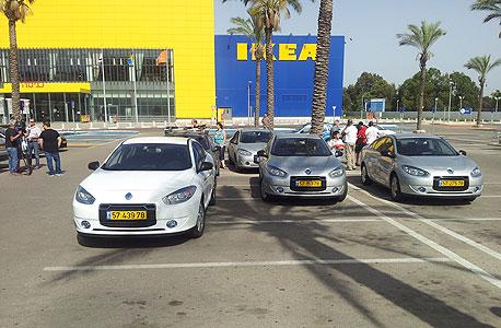 הפגנה של בעלי מכוניות בטר פלייס במתחם איקאה בנתניה