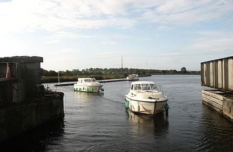 אירלנד, נהר שאנון. מ־1,905 יורו לסירה לחמישה אנשים