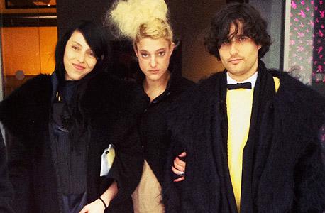 טרי פויזן בתחילת שבוע האופנה בפריז