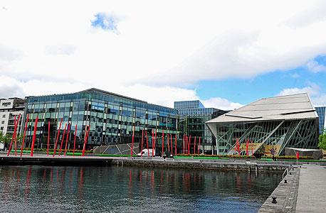 עבודה של שוורץ. כיכר גרנד קנאל בדבלין, צילום: בלומברג