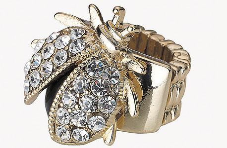 מוצרי אקססורייז לונדון. טבעת חיפושית, צילום: אבי ולדמן