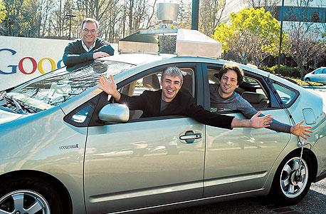 """מייסדי גוגל סרגיי ברין (מימין) לארי פייג' ו היו""""ר אריק שמידט"""