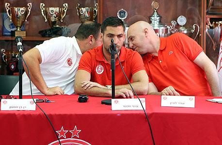 אמיר לובין (מימין), איתי שכטר ורן בן שמעון. החתמה טובה מבחינה רגשית אבל האם הגיונית?