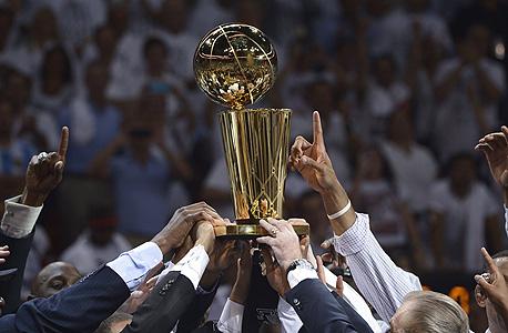 6 שאלות לקראת עונת ה-NBA הבאה