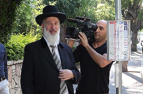 הרב הראשי יונה מצגר מעצר בית, צילום: מוטי קמחי, ynet