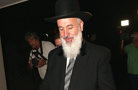 """הרב יונה מצגר עו""""ד דוד ליבאי (משמאל מאחור), צילום: שאול גולן"""