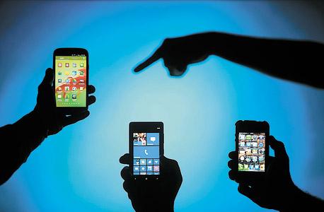 המכשירים הניידים מייצרים חלק ניכר מהמידע הדיגיטלי, צילום: רויטרס