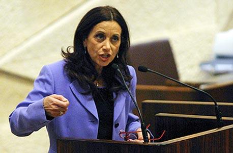 רונית תירוש: לא לבחור אדם בחובות לראשות עיר