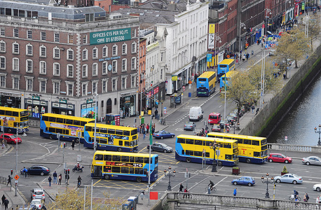 תחבורה ציבורית דבלין אירלנד, צילום: בלומברג