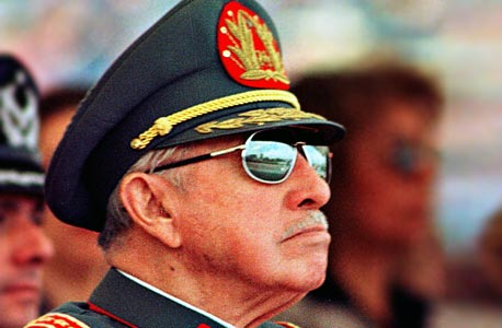 """רודן צ'ילה לשעבר אוגוסטו פינושה. גייס את """"נערי שיקגו"""" של מילטון פרידמן, במהלך שהוביל למהפכה הניאו־ליברלית"""