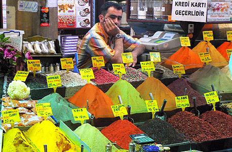 טורקיה בזאר תבלינים שוק איסטנבול פנסיה
