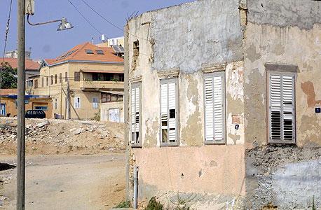 בתים מוזנחים בשכונת עג'מי ביפו