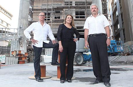 שותפים בפרוייקט רוטשילד 22 (מימין) דפנה הר לב, דורון אביב ורועי בן עמי, צילום: אוראל כהן