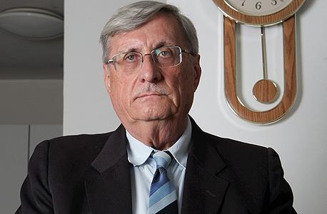 השופט בדימוס יעקב טירקל , צילום: אלכס קולומויסקי