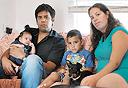 משפחת בנדרקר במושב מצליח, צילום: נמרוד גלירמן