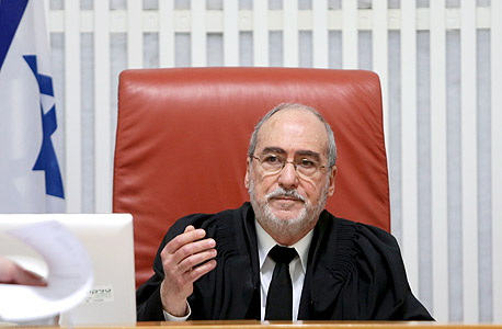 """נשיא ביהמ""""ש העליון, אשר גרוניס, צילום: אלכס קולומויסקי"""