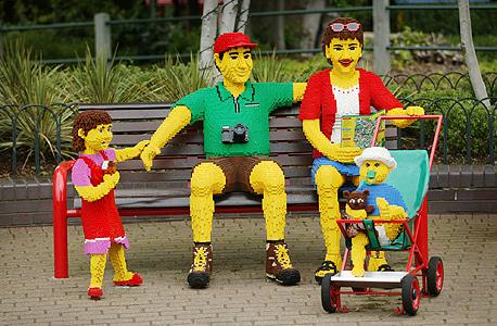 משפחה עשויה מלגו בלגולנד, צילום: בלומברג