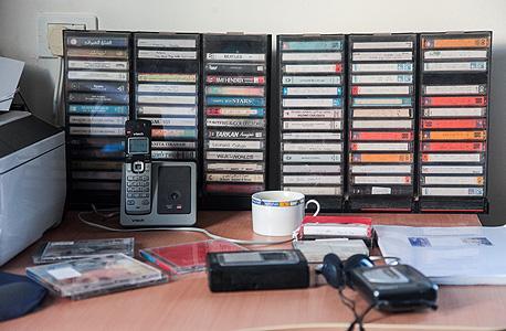 """הקלטות של בן שמחון. """"יש לי בבית כמה עשרות קלטות של בני המשפחה מספרים חוויות ושרים"""""""