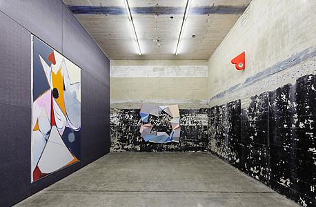 """""""דיו וסוכר"""" ו""""קרלו קריבלי"""", עבודות של תומאס שייביץ, צילום: NOSHE"""