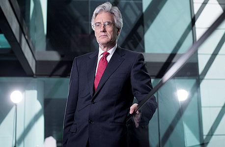 """טרנר. """"נגידי הבנקים המרכזיים הם כמו הקוסם מארץ עוץ, רק הפוך. הם עסוקים בלהכחיש שיש להם יכולת לעשות דברים שהם יכולים לעשות"""""""