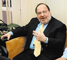"""עו""""ד אבי פילוסוף, האיש של גנגר בחיפה כימיקלים. פיטוריו מהחברה צפויים להיגרר לדיון בבתי המשפט"""
