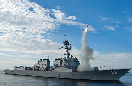 שיגור של טיל שיוט מסוג טומהוק ממשחתת קרב אמריקאית (ארכיון), צילום: אי פי איי