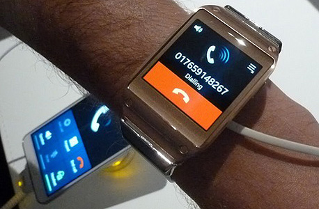 סמסונג גלקסי Gear שעון חכם, צילום: עומר כביר