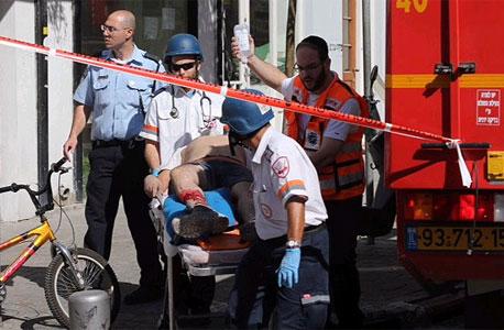 """הרוג וחמישה פצועים בקריסת מבנה בת""""א"""
