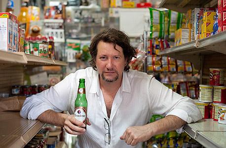 """כריס ארנדי. """"הייתי חלק מתעשייה שעשתה דברים רעים"""", צילום: chris arnade"""