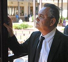קובי אלכסנדר. מייסד החברה נמלט