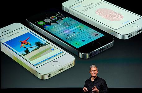 קוק והאייפון. כוונה טובה יש. ופיתרון?, צילום: בלומברג