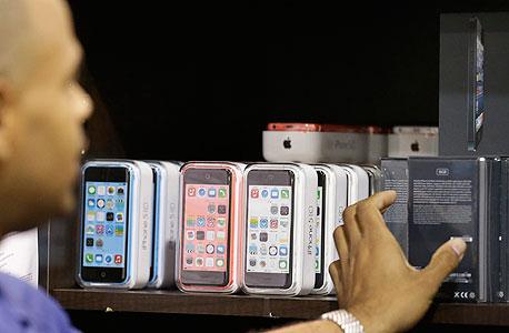 השקה השקת אייפון 5s 5c אפל iphone, צילום: איי פי
