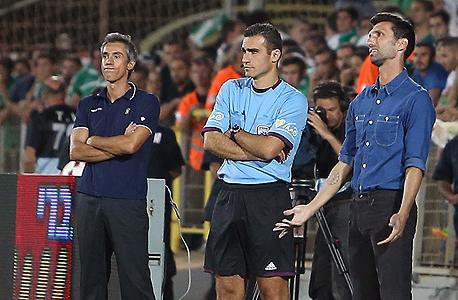 אריק בנאדו עם פאולו סוסה. האם רואה החשבון של הקבוצה חשוב יותר מהמאמן?, צילום: עוז מועלם
