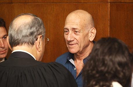 אהוד אולמרט בית משפט מעיד ב פרשת הולילנד, צילום: אוראל כהן