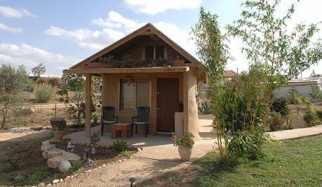 בית בוץ אקולוגי, צילום: חיים הורנשטיין