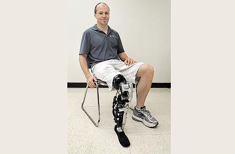 זאק ואוטר והרגל הרובוטית שמתממשקת עם מערכת העצבים