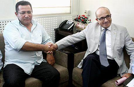 מימין ג'רמי לוין עם עופר עיני ב הסתדרות, צילום: אוראל כהן