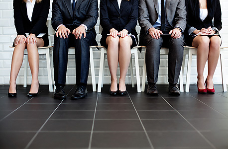 CAndidates are lining up to apply for jobs. Photo: Shutterstock