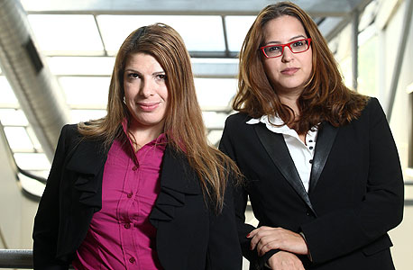 """עורכות הדין אורטל מור (מימין) ומיטל לוי. """"יש מעסיקים שהם בסדר גמור, אבל הם ספורים"""""""