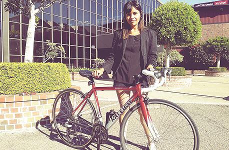 זו שידומה לוזאדה, שהשכירה לי את האופניים שלה דרך SpinLister, צילום: אסף גלעד