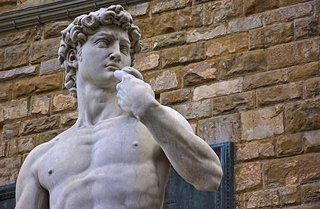 הפסל דוד של מיכלאנג'לו בפירנצה