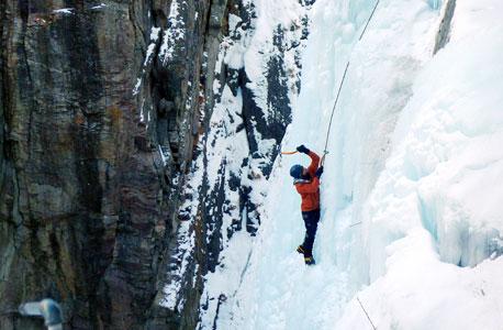 טיפוס על קירות קרח. בשביל מה סובלים כל הדרך לפסגה?