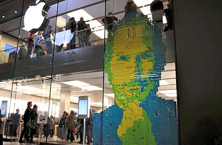 חנות אפל מינכן הנצחה לסטיב ג'ובס 2011