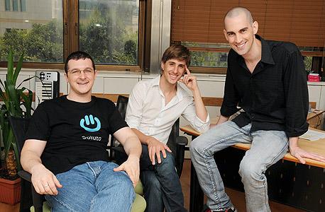 מימין: תומר דביר, ישי גרין ורועי אדלר, מייסדי סולוטו, צילום: לואיז גרין
