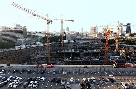 אתר השוק הישן ברחוב החשמונאים בתל אביב. הפינוי אפשר לתנובה למכור את הקרקע היקרה לבניית מגדלים תמורת כמעט מיליארד שקל