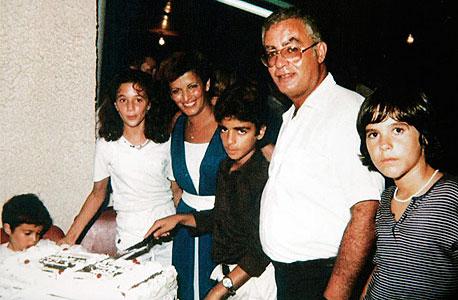 מוסף 21.11.13 אייל רביד תמונת ילדות, צילום רפרודוקציה: צפריר אביוב