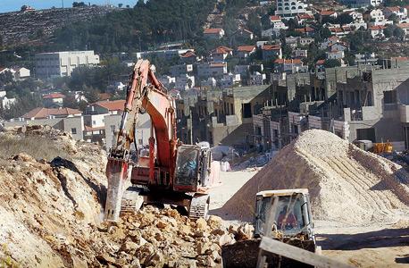 """בנייה בהתנחלות אלעזר. """"לגבות מיזמים, ולא מתושבים"""",  מציע עו""""ד ישראל מיבר"""