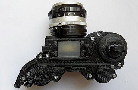 המצלמה של לואי מ'. ציוד ההדפסה עדיין קצת יקר אבל מעשית אפש כבר לייצר אותה בבית