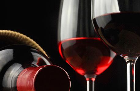כוסות יין אדום אלכוהול בקבוק, צילום: אימג'בנק/thinkstock
