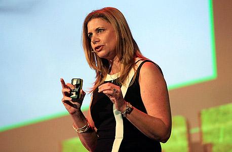 """ענת גבריאל יו""""ר ומנכ""""לית יוניליוור ישראל ועידת הקיימות לעסקים 2013, צילום: ענר גרין"""